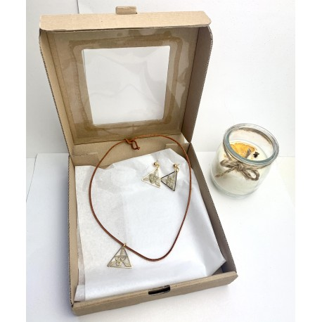Świąteczny box prezentowy z koronkową biżuteria 1